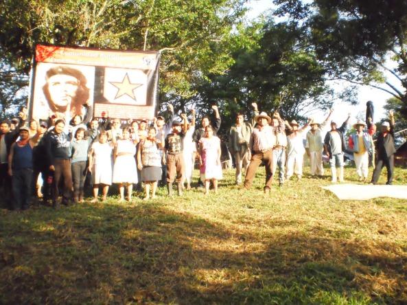 Archivo fotográfico de la Sexta Trabajadores: Caravana a la comunidad autonóma Ernesto Guevara de la Serna, Ayotoxco-Puebla / 28 de junio de 2012