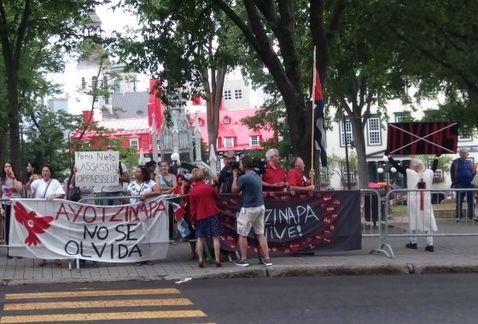 Presidente-Quebec-Philippe-Couilard-Ayotzinapa_MILIMA20160627_0225_11.jpg